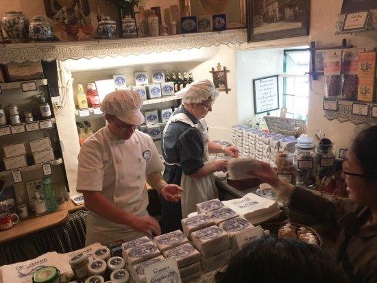 Grasmere, UK: Inside the tiny shop