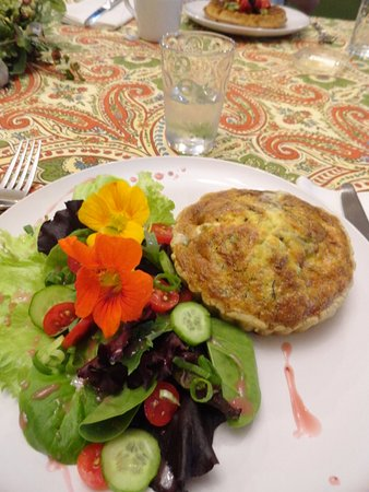 Addison, بنسيلفانيا: Just a sample of one the breakfasts served at Hartzel House.