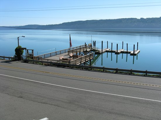 Hoodsport, WA: View of Hood Canal across Highway 101