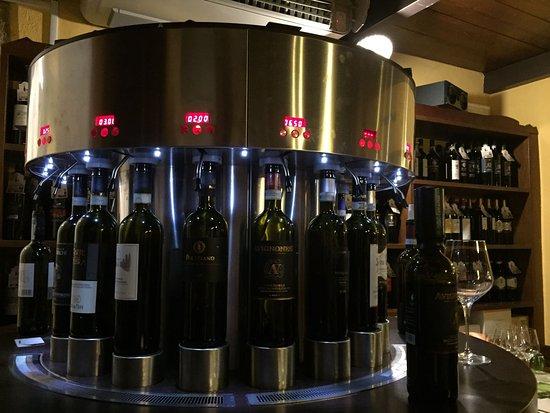 Osteria del Borgo : Self serve wines machine