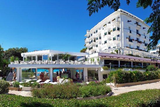 Atlantic Hotel Riccione: Terrazza panoramica del Ristorante Green