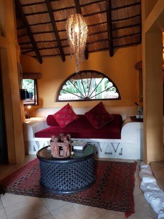 Sabie, Sudafrica: Amber Moon lounge area