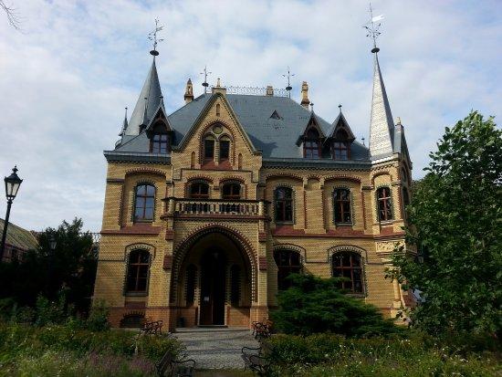 Kedzierzyn Kozle, โปแลนด์: Widok frontalny pałacu