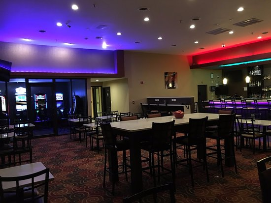 Carbondale, IL: Live video gaming is available daily!