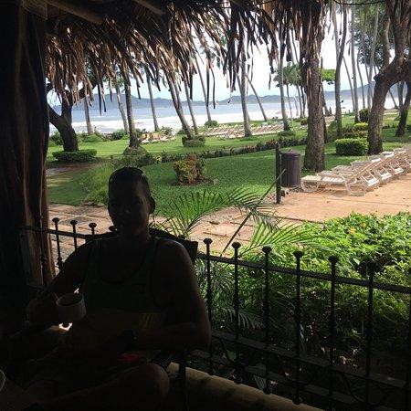 Hotel Tamarindo Diria: Favorite breakfast table
