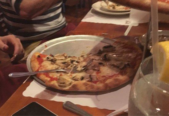 Benvenuto Pizza Restaurant: photo2.jpg