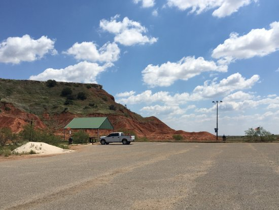 Fairview, OK: Covered picnic area