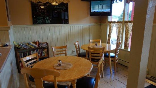 Zumbro Falls, MN: Dining