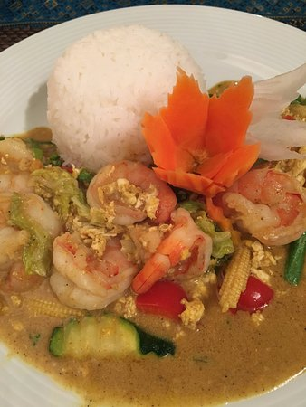 Waedenswil, Zwitserland: Thai yellow curry with shrimps