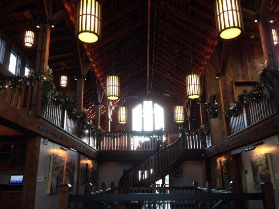 Windsor, Kalifornia: Inside the second level at La Crema Estate at Saralee's Vineyard.