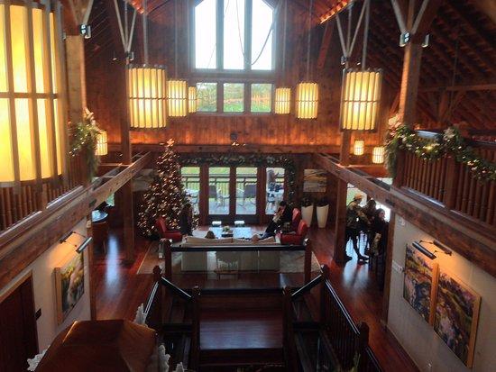 Γουίντσορ, Καλιφόρνια: Inside the second level at La Crema Estate at Saralee's Vineyard.