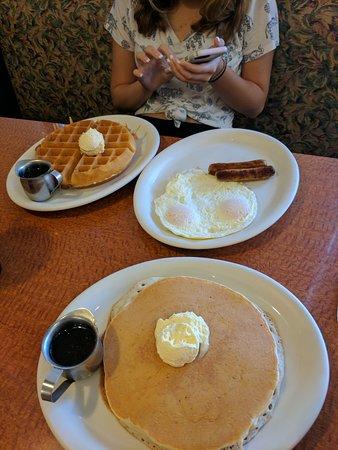 Corona, CA: Betty Faye's Cafe