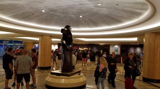 New York Hilton Midtown: Lobby