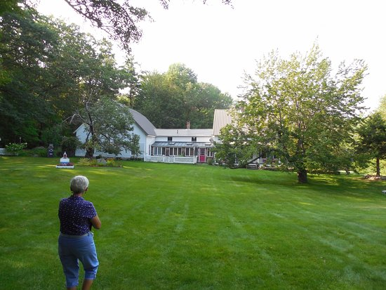 Newbury, NH: beautiful grounds of Blue Goose Inn