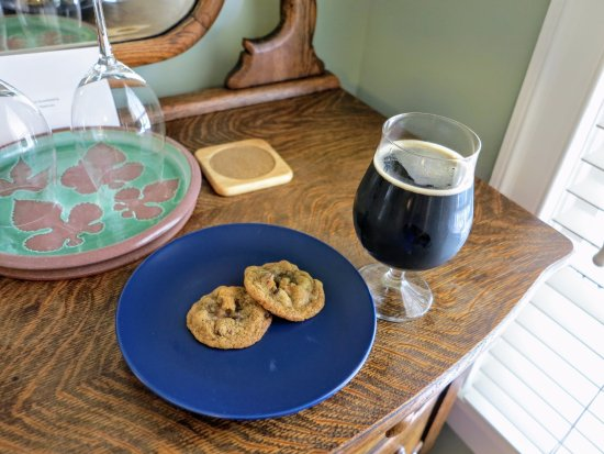 Sperryville, VA: cookies with coffee stout