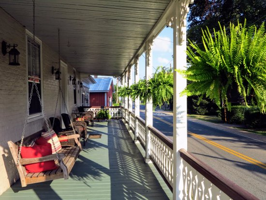 Sperryville, VA: lower porch