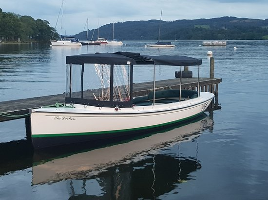 Bowness-on-Windermere, UK: Bowness Bay Marina - Windermere Boat Hire