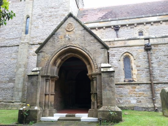 Richmond, UK: church entryway