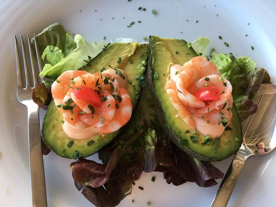 The Clipper : Avocado and prawn starter.
