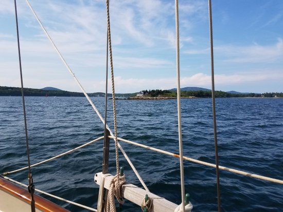 Rockport, ME: underway toward outer islands