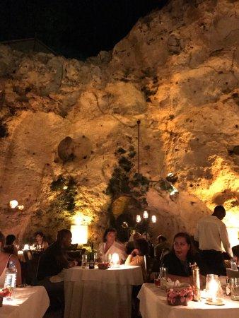 Ali Barbour's Cave Restaurant : photo0.jpg