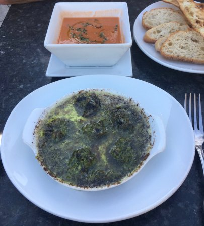 Bistro De La Gare : Escargot and gazpacho