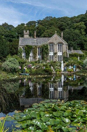 Gresgarth Hall Gardens: Beautiful venue