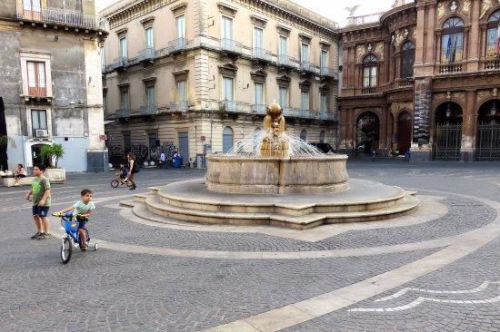 Fontana dei Delfini