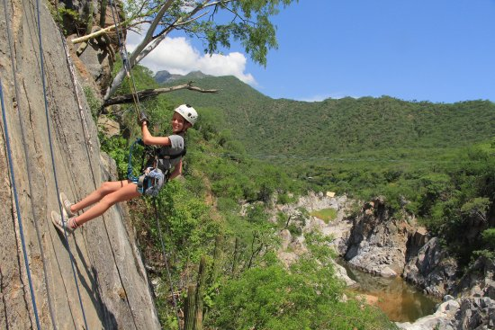 Wild Canyon Adventures: Rappel