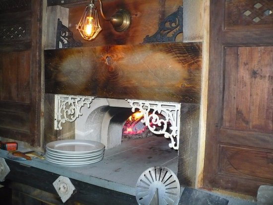 Fitzwilliam, NH: Our wood-fired pizza oven!