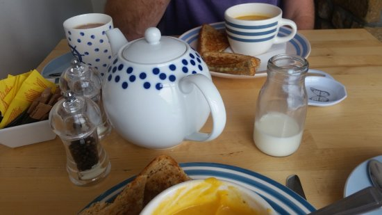 Portmahomack, UK: Nice big pot of tea for two!