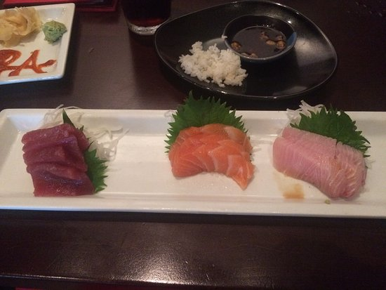 Leawood, KS: Sushimi selection