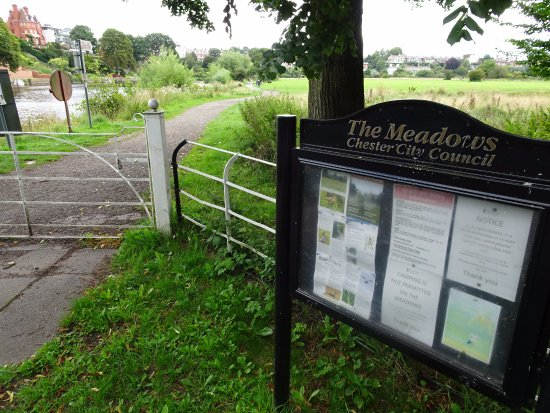 Christleton, UK: Information board and an entrance/exit