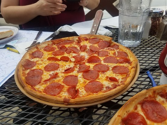 Stone Canyon Pizza CO: The best pizza and nachos in Kansas City