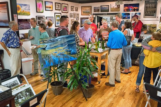 CatchLight Gallery: Gallery Crawl on Friday Aug 11th. Go food, good folks, good photography