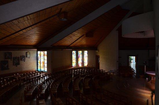 Župnijska cerkev Device Marije Rožnovenske: Innenansicht