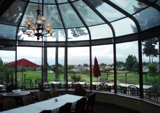 Courtenay, Καναδάς: VIEW OF DINING HALL BALCONY