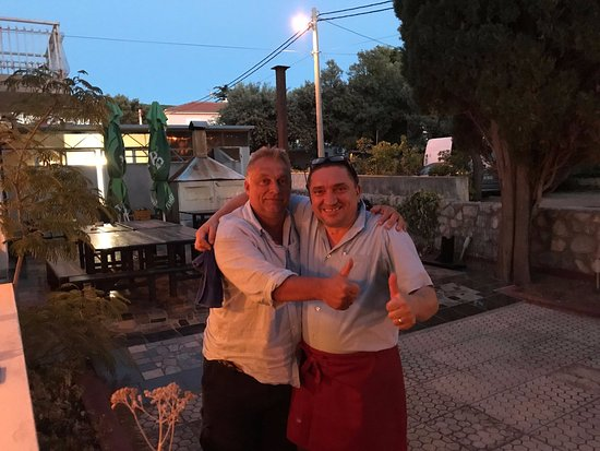 Punat, Kroatien: The restaurant boss, Zdenko Radman and the Prime Minister of Hungary, Viktor Orbán.