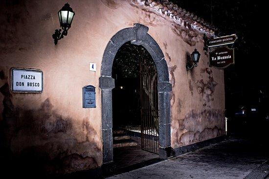 Pedara, Italien: ingresso