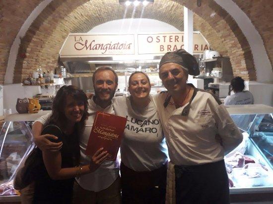 Bernalda, Italia: La nostra gioia dopo la cena!