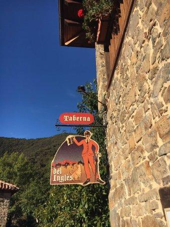 Tudes, Spain: La taberna del inglés.