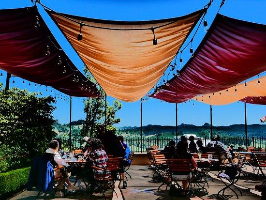 King Estate Restaurant : the decl