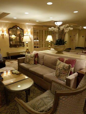 Hotel Monteleone: 20170801_181545_large.jpg