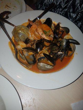 Rutherford, Нью-Джерси: Seafood dish