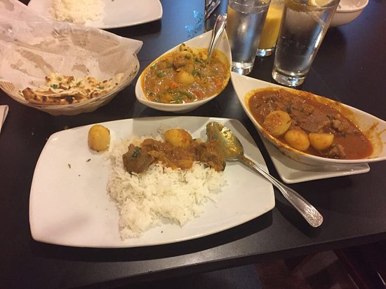 Lakewood, OH: Lamb vindaloo, vegetable curry and what's left of a garlic naan