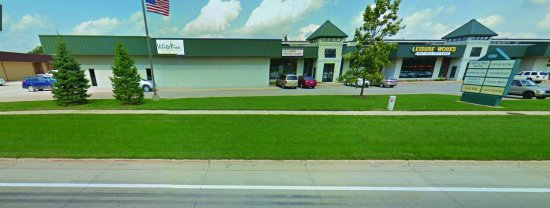 Ann Arbor, MI: Outside of the strip mall we are located in