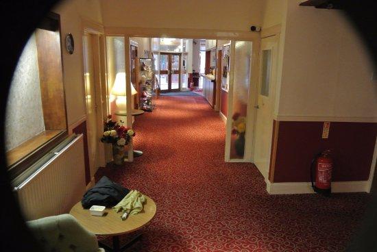 Newtonmore, UK: Highlander Hotel lobby
