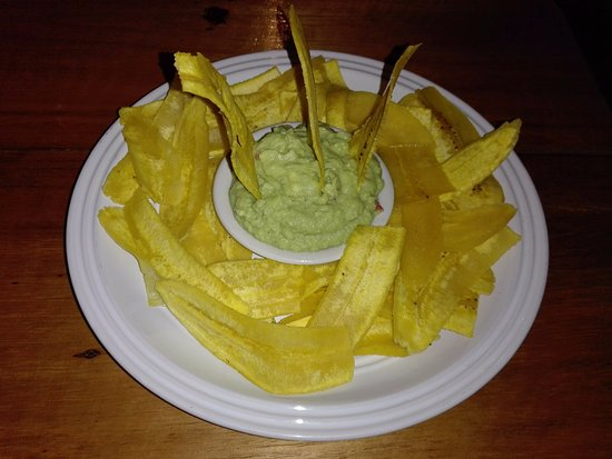 Cocles, Costa Rica: Guacamole with Plantain chips