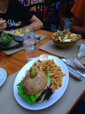 Hamburger, Poutin et Mac & cheese