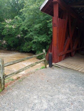 Landrum, SC: You can walk across the bridge